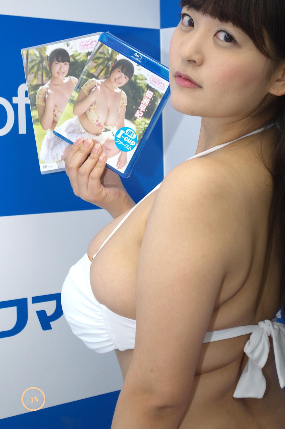 超爆乳Kカップグラビアアイドル柳瀬早紀ミルキー・グラマーDVD発売記念イベント (1)