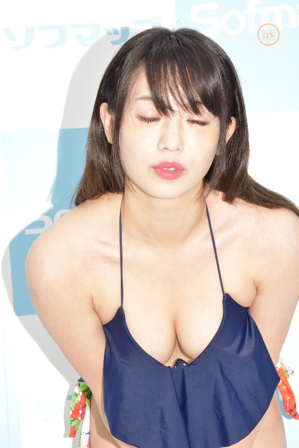 巨乳芸人・高田千尋(ばーん) (1)