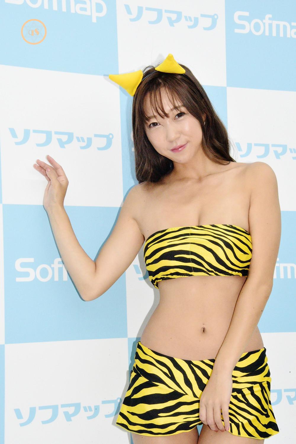 あさいあみ爆乳Iカップのグラビアアイドル (1)