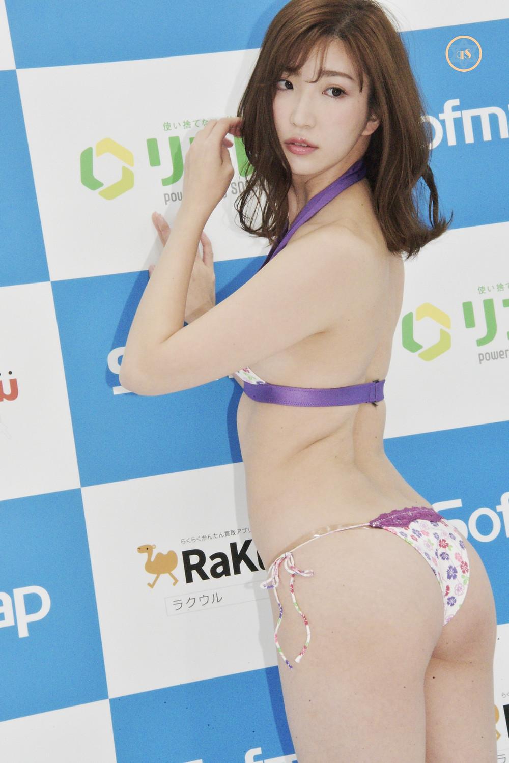 美脚巨乳グラドル松嶋えいみ (162 (2)
