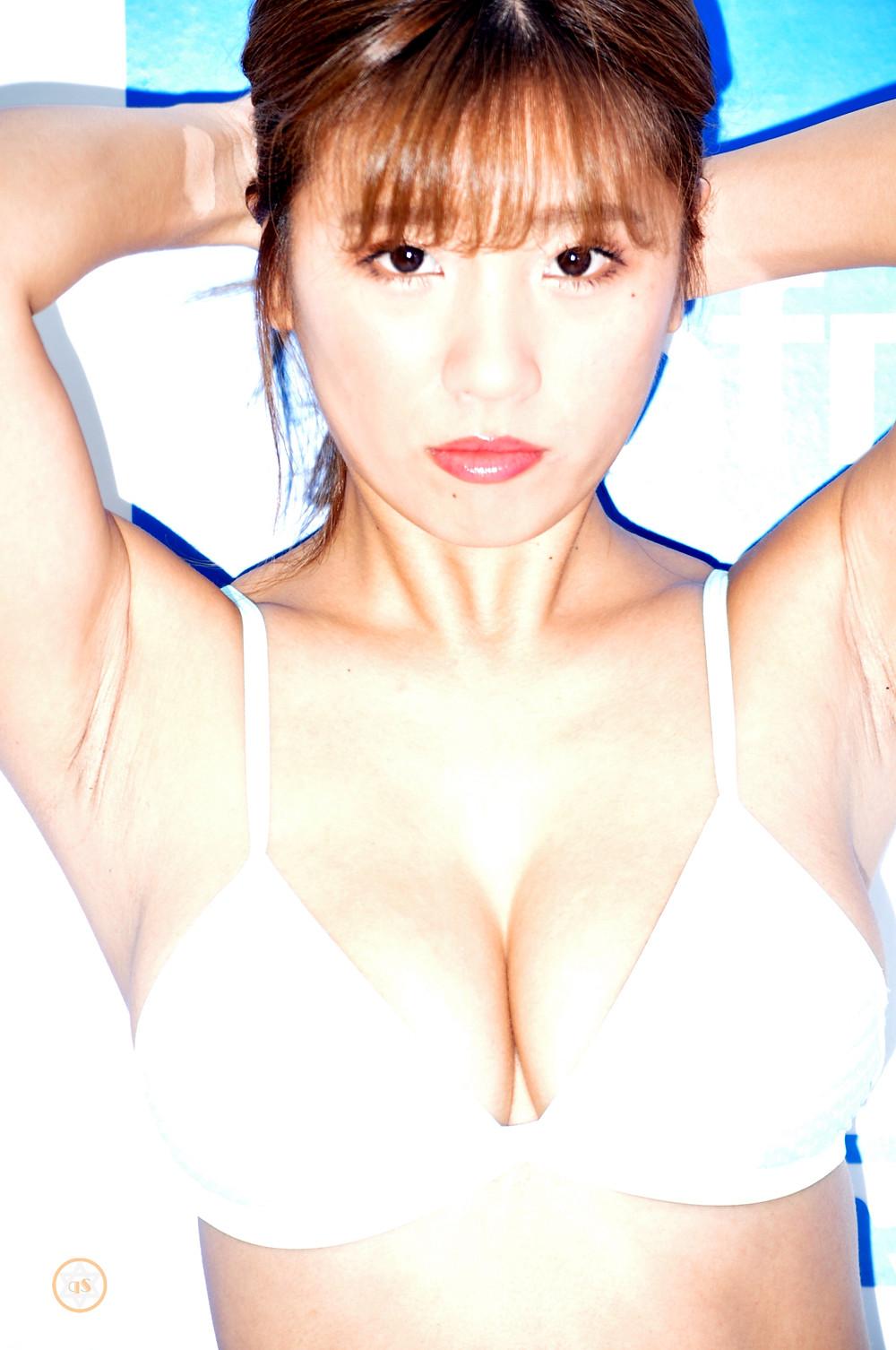 巨乳Hカップ桃尻グラドル葉月あや『目の前の君。/エスデジタル』DVD発売記念イベント (8)