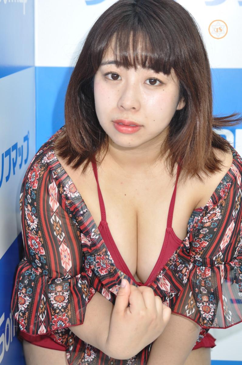 bbw女芸人餅田コシヒカリ『Rice Cake/㈱ギルド』DVD発売記念イベント (2)