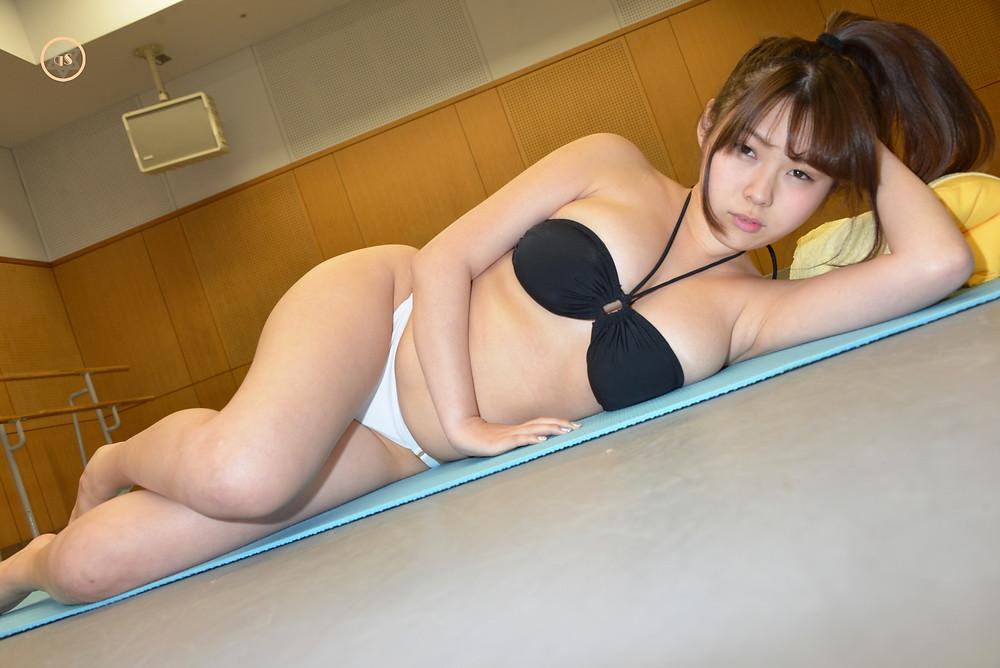 爆乳グラドル結城ちかの「ダダ」 (4)