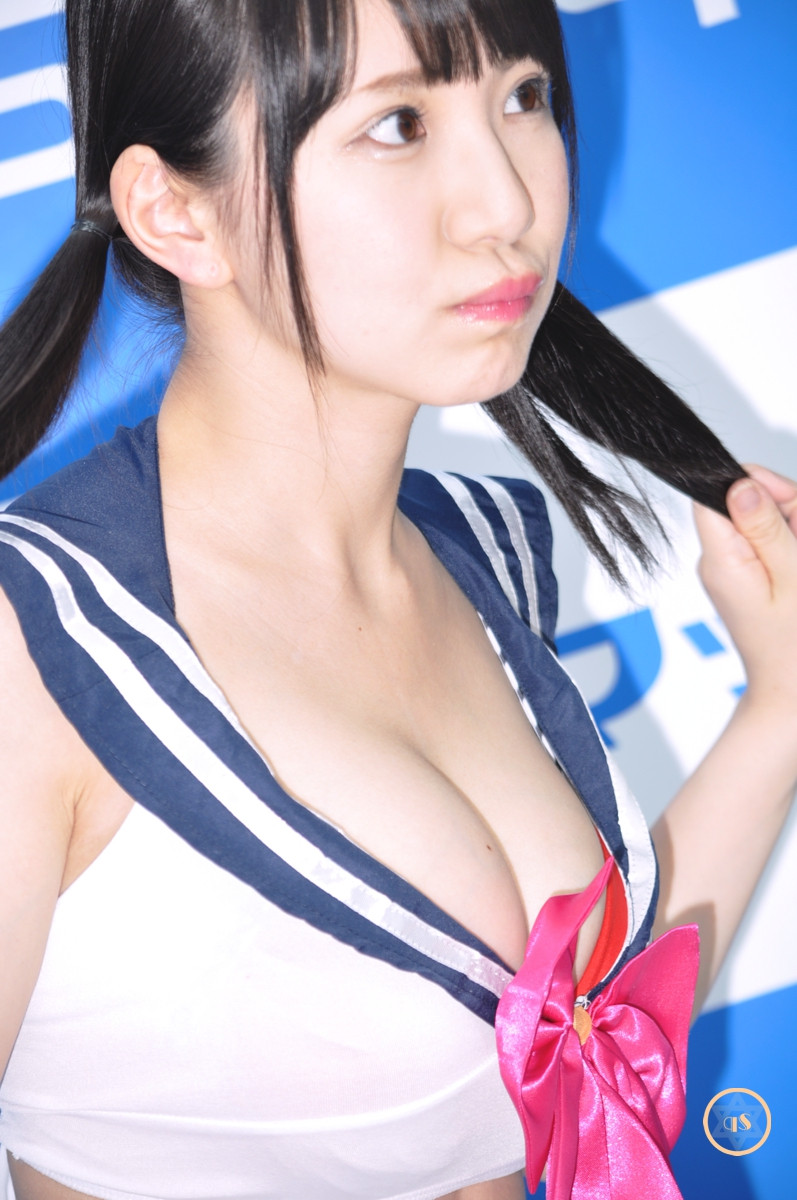 巨乳Gカップグラドル相良朱音『恋人ごっこ/Aircontrol』DVD発売記念イベント (7)