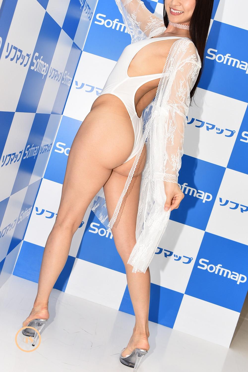 美尻美脚グラビアアイドルあいみ『Answer/イーネット・フロンティア』DVD発売記念イベント (1)