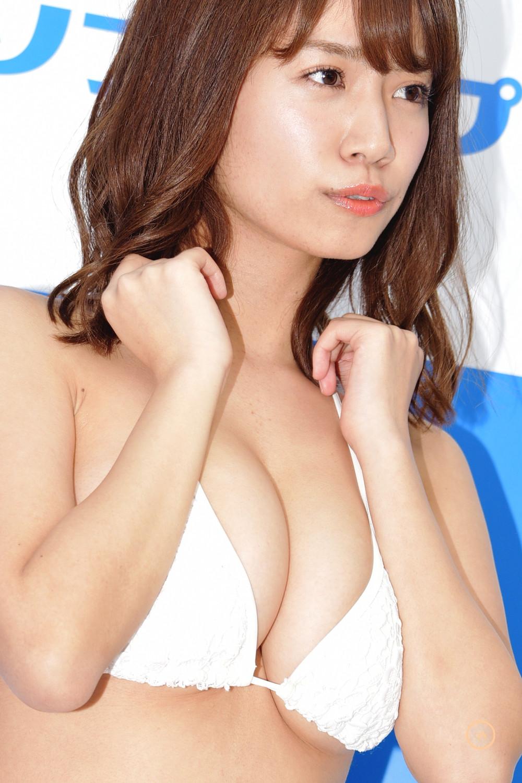 爆乳Iカップグラドル菜乃花『七色なのか!? /イーネット・フロンティア』DVD・BD発売記念イベント (1)