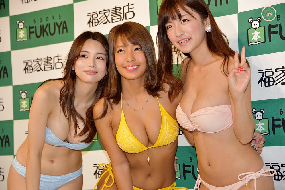 橋本梨菜、☆HOSHINO、仲村美海が2019年カレンダー