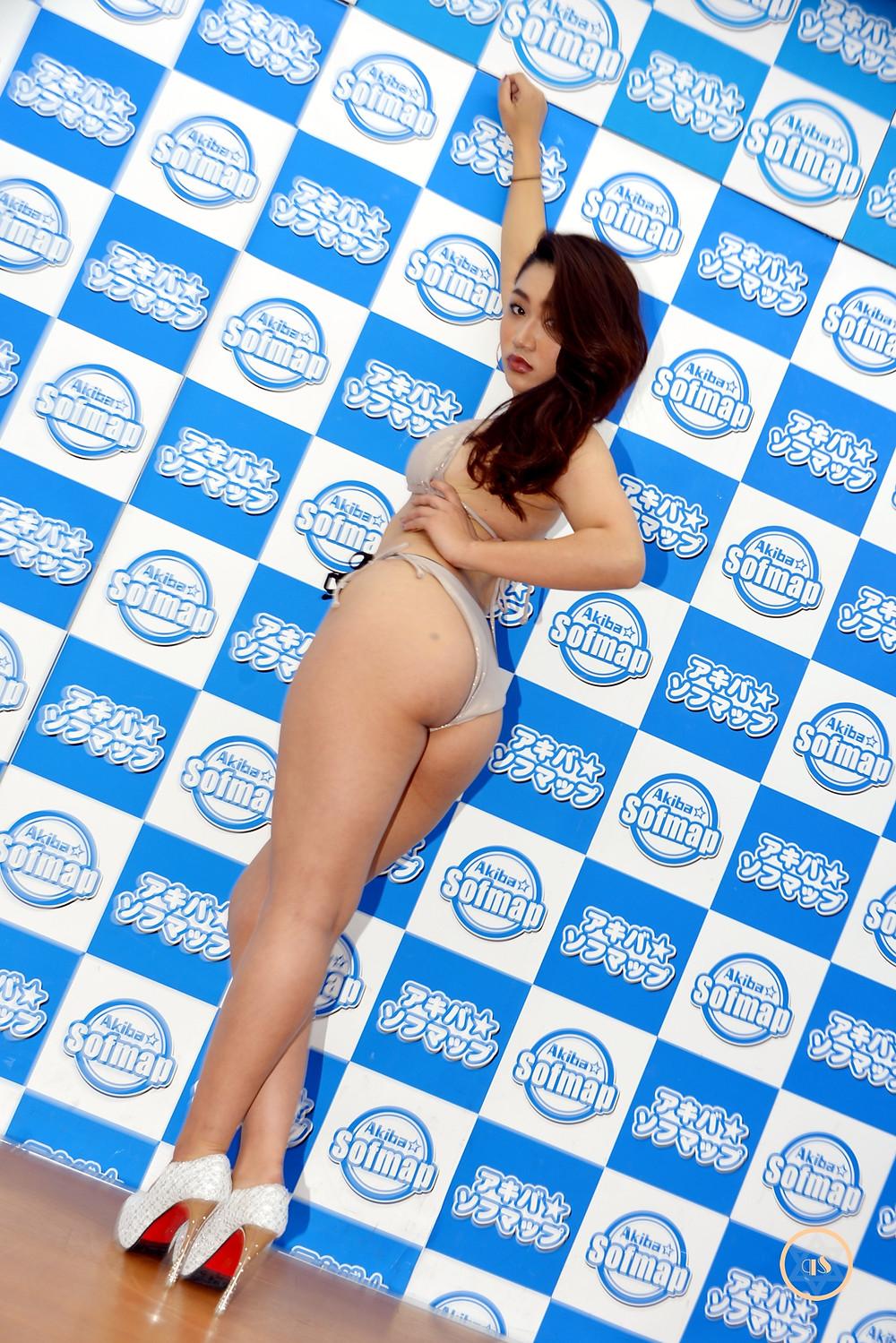 美巨尻グラビアアイドル松尾ケイリン (1)