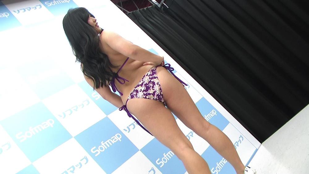 巨乳グラドル・深井彩夏DVD『情愛の扉』発売記念イベント(撮影会)