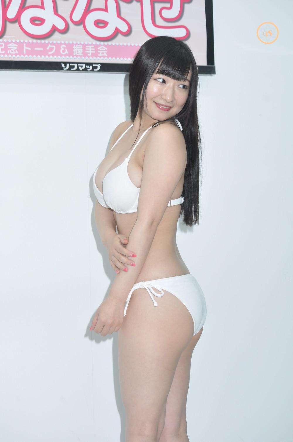 巨乳Hカップグラドル小日向ななせ『ななせ日和/イーネット・フロンティア』DVD発売記念イベ (1)