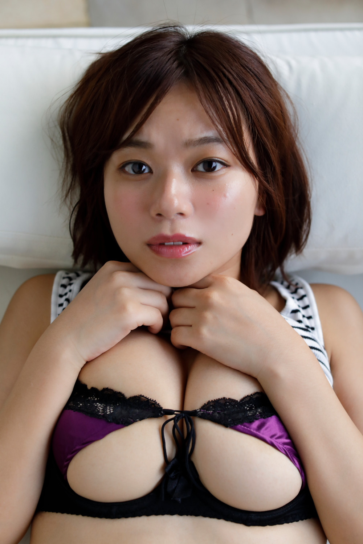 巨乳Hカップグラビアアイドル和地つかさ「ふわふわハニー」 (1)