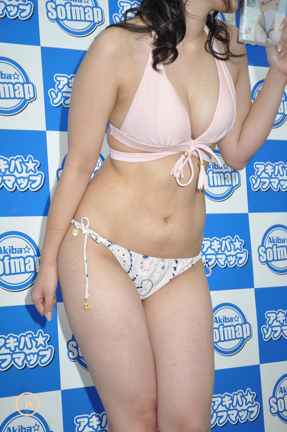 巨乳グラドル柚木えりな『ミルキー・グラマー/㈱竹書房』DVD発売記念イベント (4)