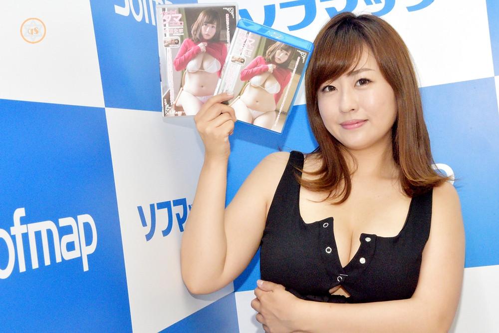 爆乳Jカップグラビアアイドル水樹たま (3)