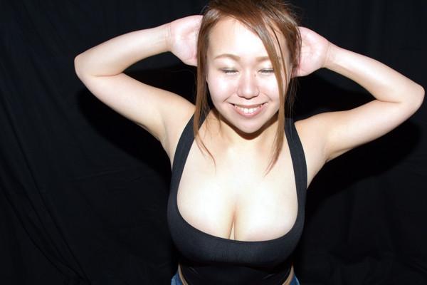 爆乳Kカップグラドル吉沢さりぃ限界筋トレ(スクワット) (1)