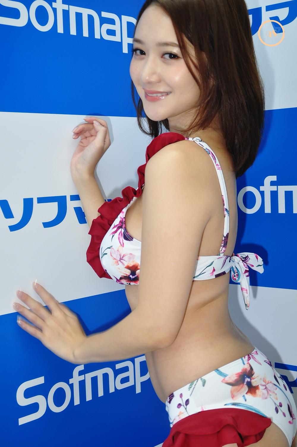 巨乳グラビアアイドル葉月ゆめ『美しい人だから/ギルド』DVD発売記念イベント (1)