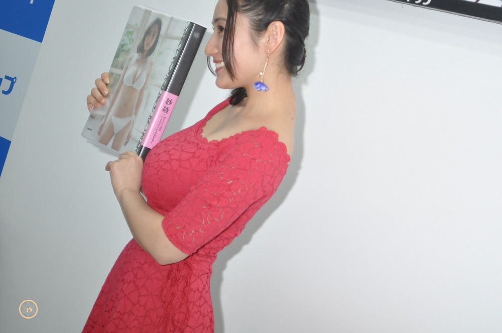 巨乳グラドル紗綾『紗綾~KNOCK OUT~/ヒッツ』トレーディングカード発売記念イ (1)
