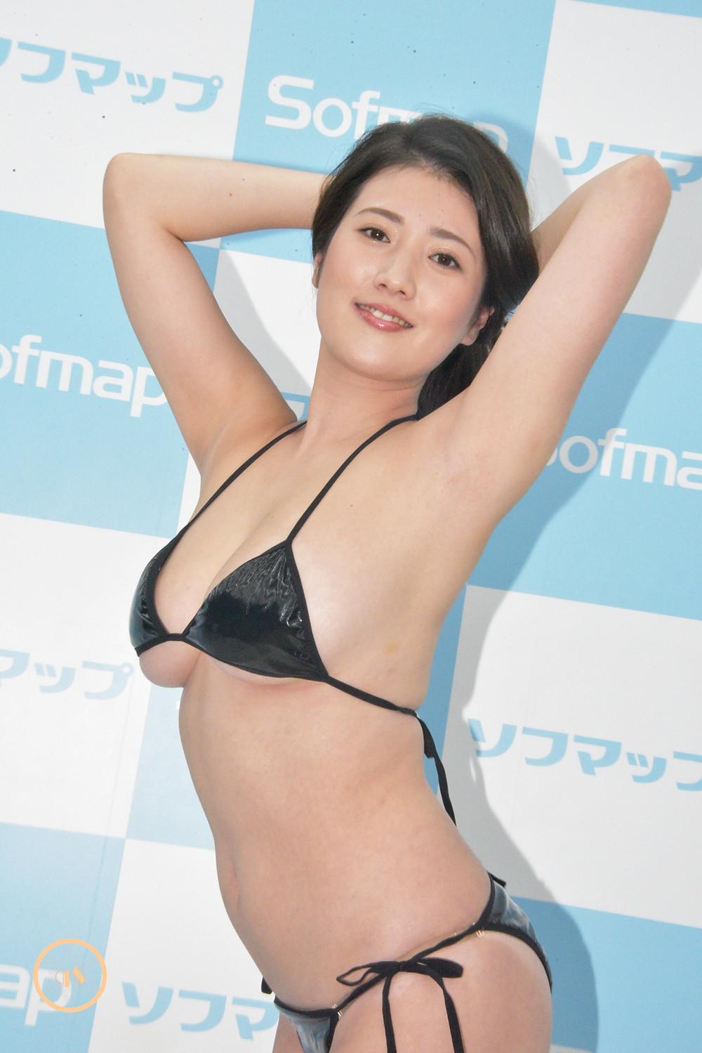 草野綾(美脚巨乳Gカップグラビアアイドル) (8)