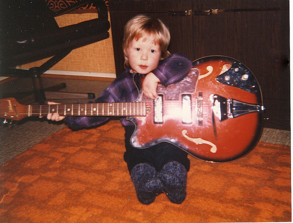 Cliff med gitar