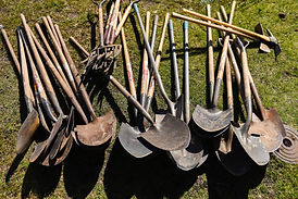 Shovels_at_Stanley_Park_2018_2000x.jpg_v