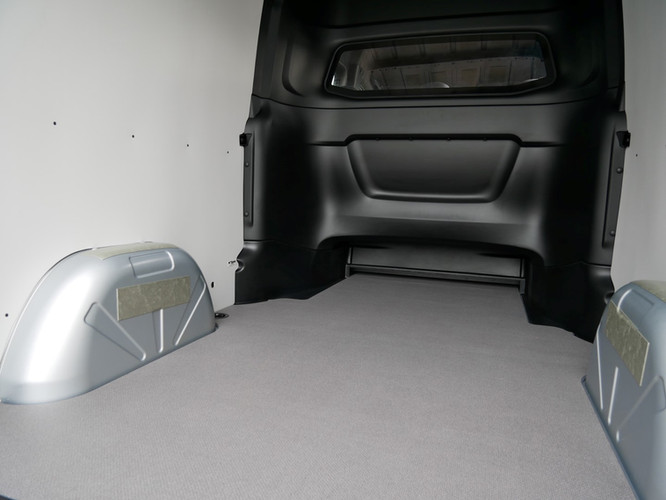 Mercedes-Benz Sprinter - load area (Larg