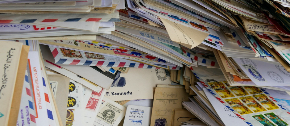 5 Ways to Combine Direct Mail and Social Media For Marketing