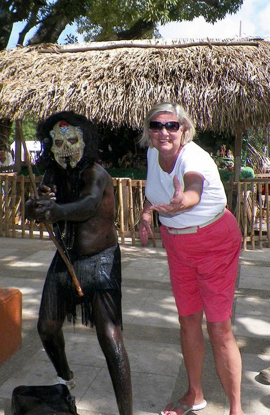 webhONDURAS DANCER w Anita.jpg