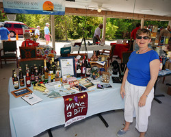 Creekside Beverages and Gifts
