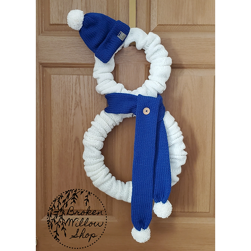 Giant Knitted Snowman Wreath for Christmas