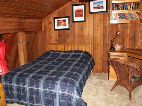 Utah: Queen Bed