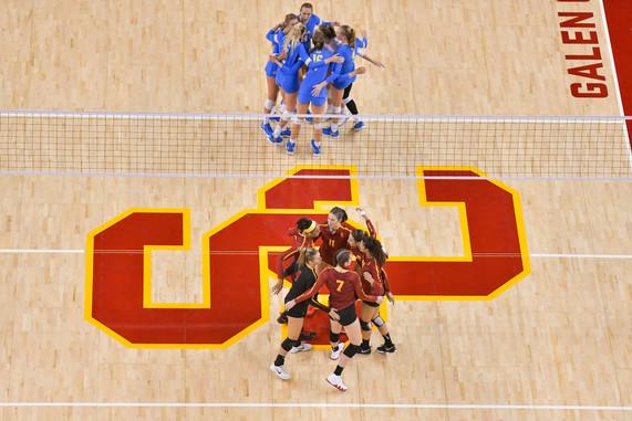 aaa091918-USC-WOMENS-VOLLEYBALL-UCLA-MCG