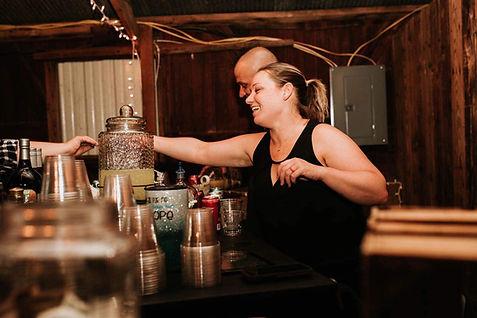 shakers bar hosts