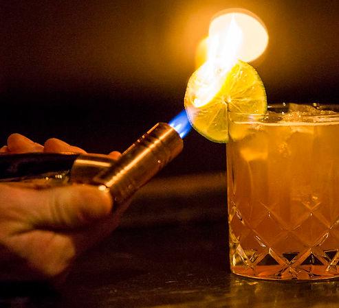 specialized drinks, cocktail