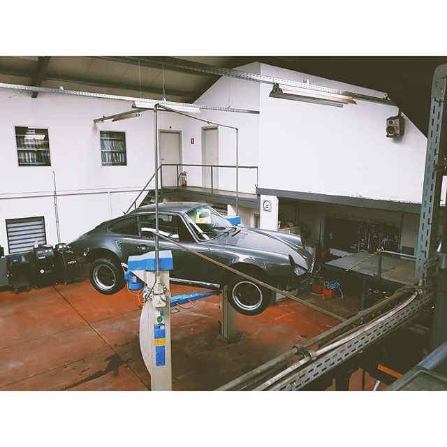 #1 Project Ongoing _ Porsche 911 1975_._