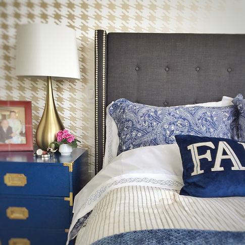 gold houndstooth wallpaper design inspiration