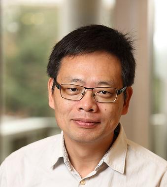 Wu headshot_edited.jpg