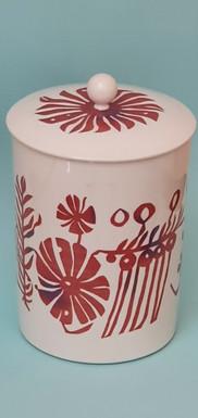 Porzellandose mit Deckel, 1948, Modell: Trude Petri, Malereientwurf: Fritz Griebel, Ausführung: KPM Berlin, 23 cm hoch und 16 cm Durchmesser, 1956