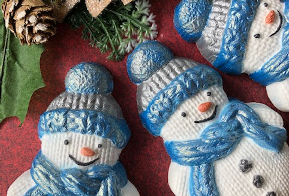 "Knitted ""Frosty"" Snowman Bath Bomb"