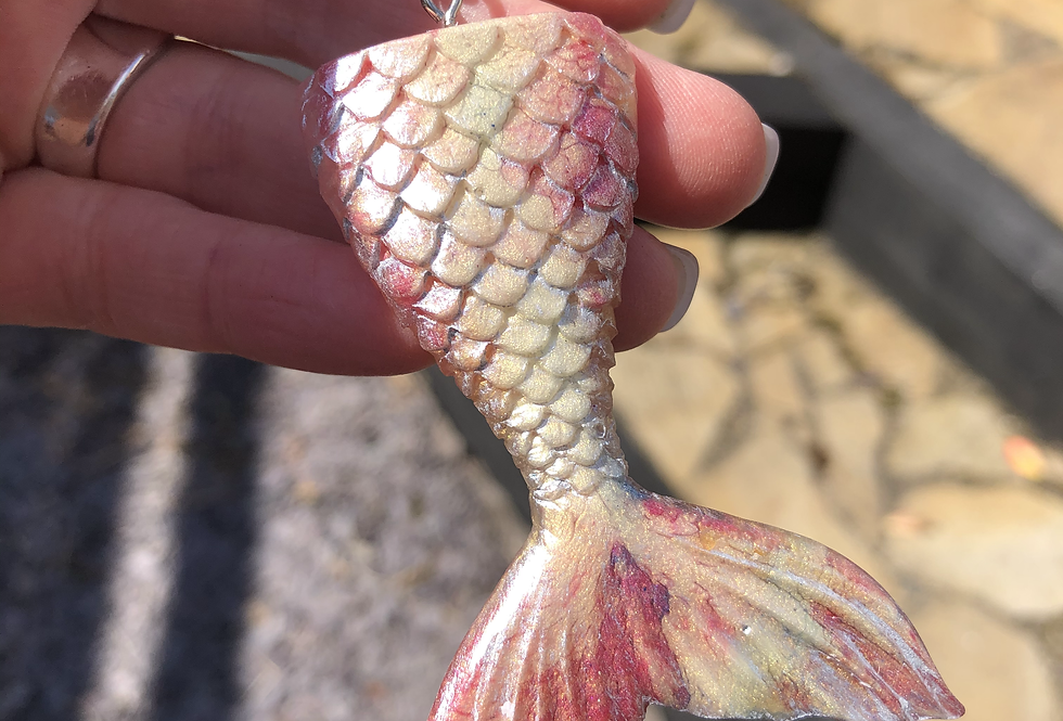 Mermaid Tail Keychain (pink)