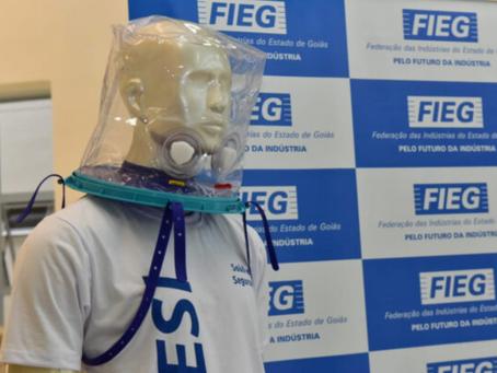 Saúde de Aparecida recebe 10 capacetes Elmo doados pela Fieg para combate à covid-19