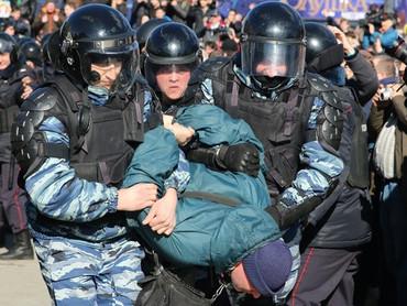 Бюджет на полицию, госСМИ, армию вырастет за счёт секвестра социальных расходов, образования и здрав