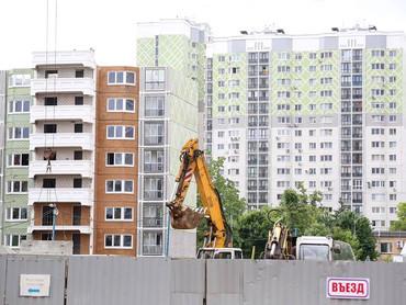Летняя статистика стоимости строительства и средние цены на жильё в МКД массового спроса