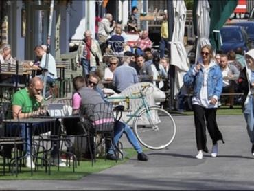 Швеция успешно переживает коронабесие без подрыва гражданских прав и свобод граждан
