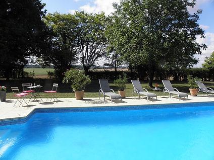 2 piscine².JPG