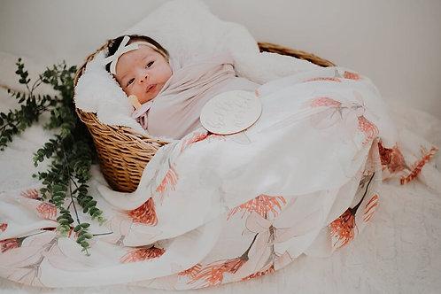 Bottlebrush Deluxe Newborn Gift Set