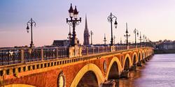 CC_PontdePierre_Bordeaux2_SKY_Type_Alamy_RM_702x351_tcm21-38423
