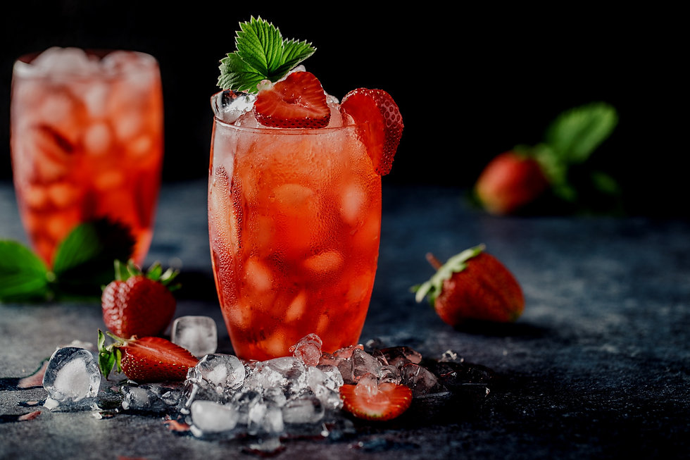 Fresh%20strawberry%20cocktail.%20Fresh%20summer%20cocktail%20with%20strawberry%20and%20ice%20cubes.%