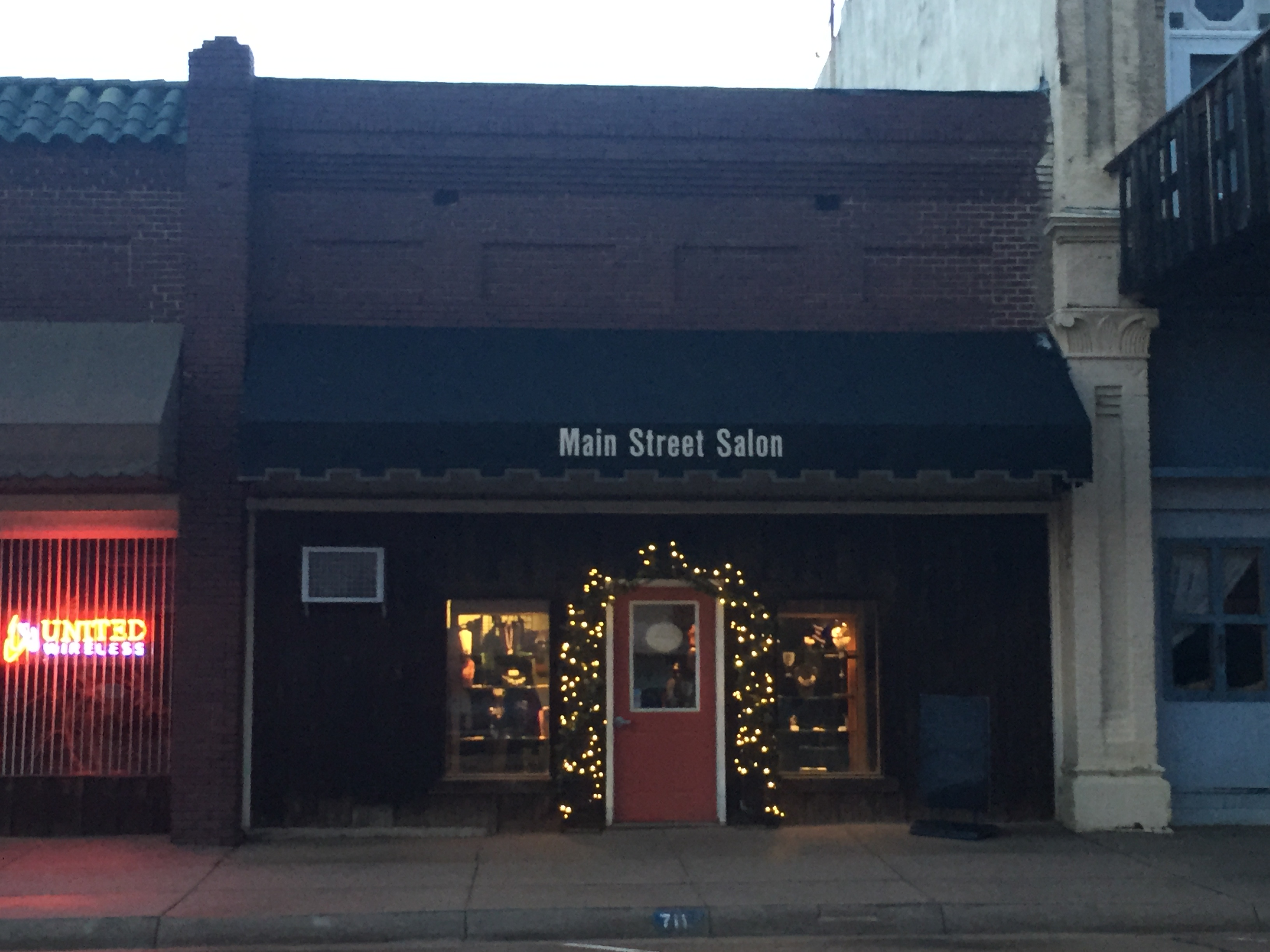 Main St. Salon.jpg