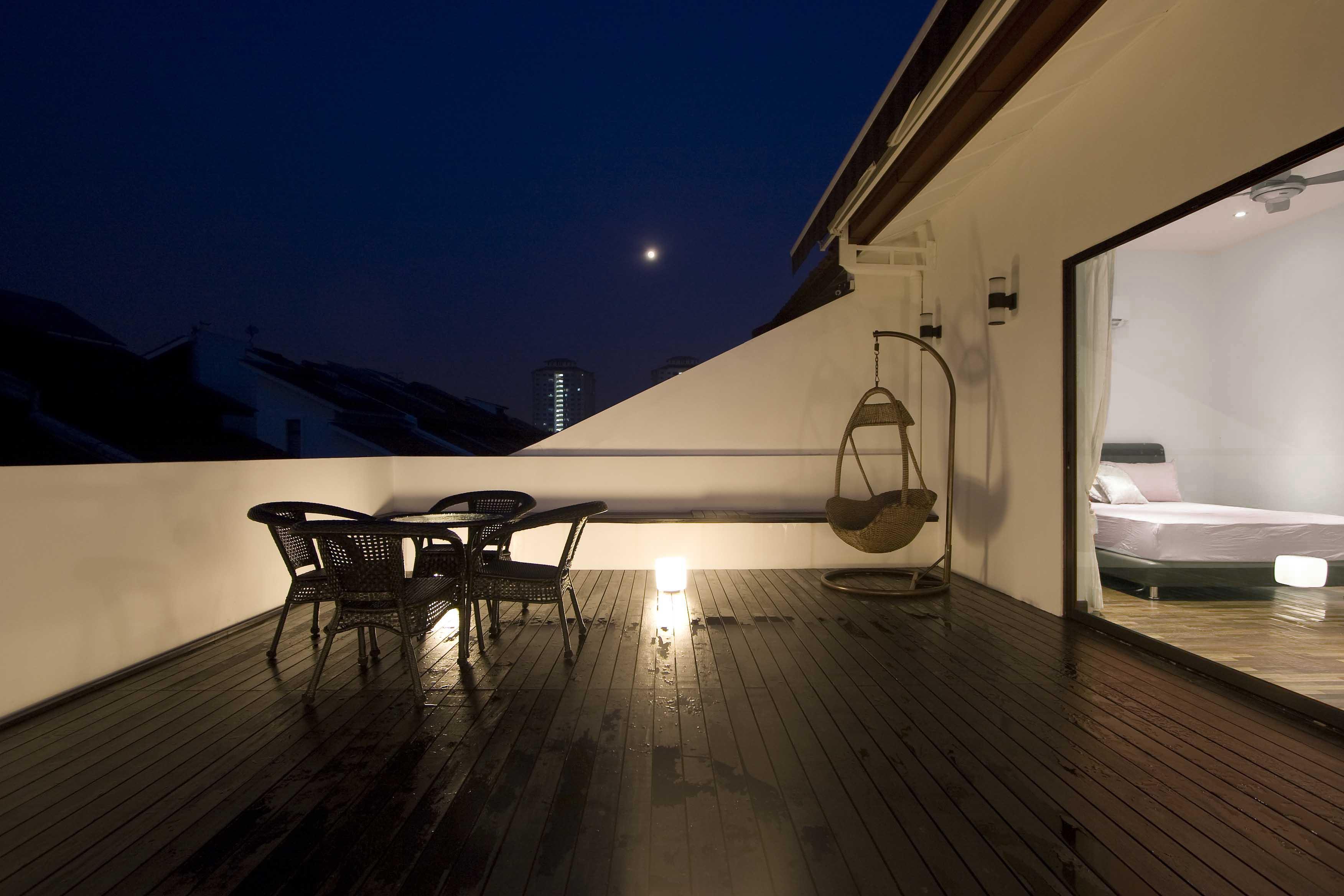 Balcony05.jpg