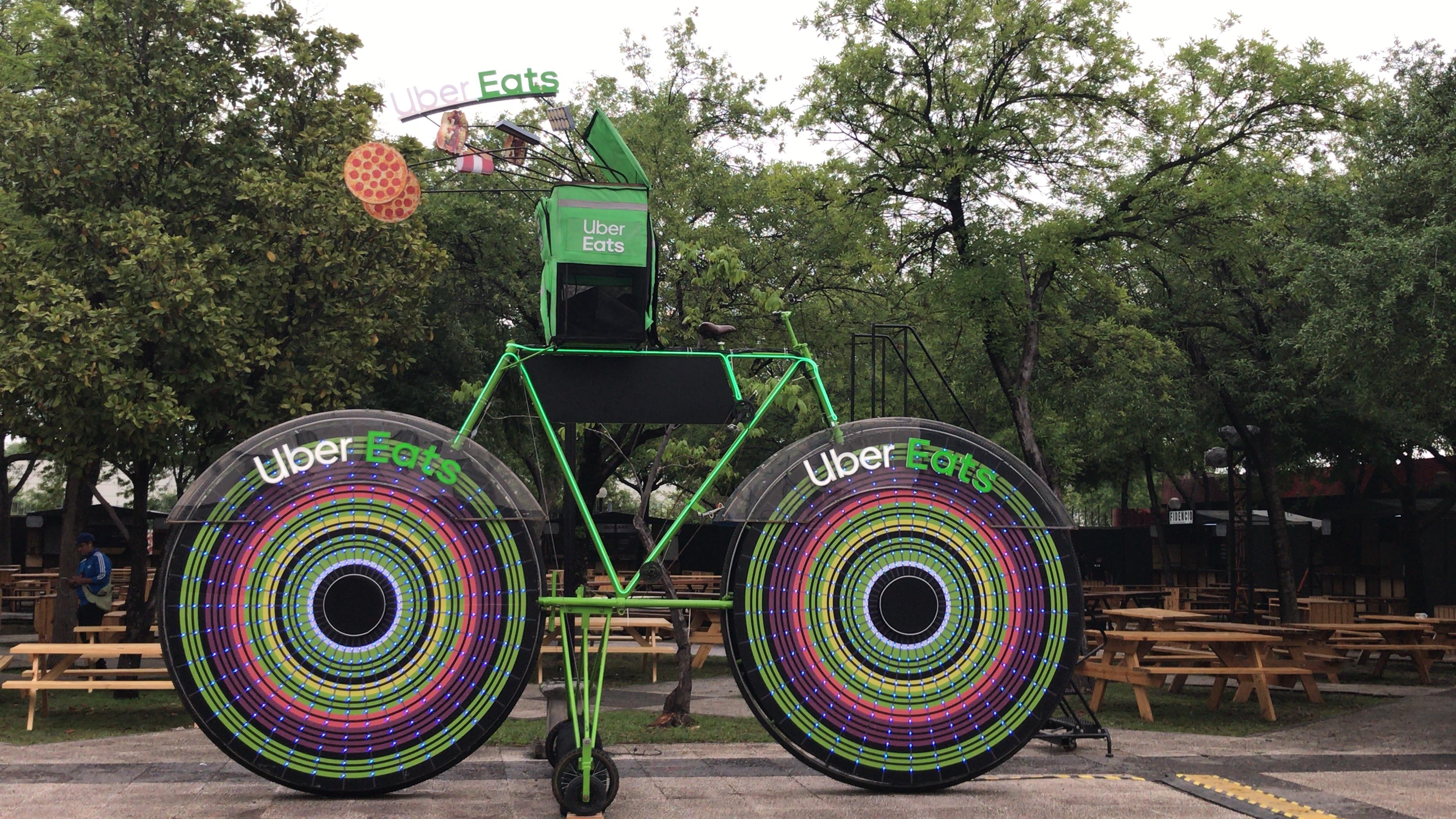 Bicicleta Gigante Uber Eats
