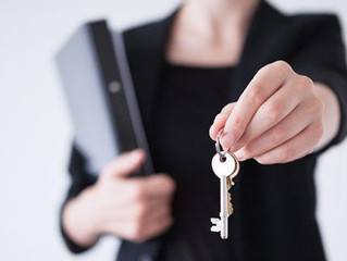 5 Reasons to Hire a Real Estate Professional When Buying or Selling!